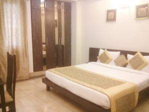 Stallen - 1 BHK Service Apartment In Greater Kailash-1